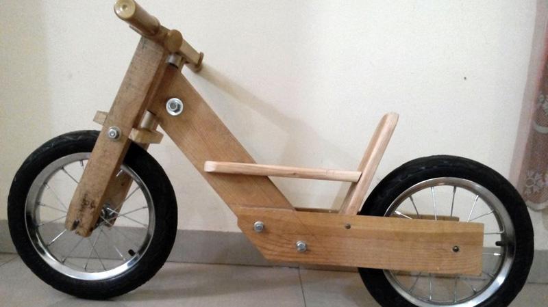 Bicicletta bimbi fatta di pallet