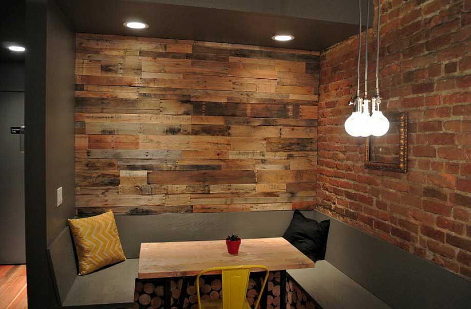 parete di legno realizzata con pallet idee pallet. Black Bedroom Furniture Sets. Home Design Ideas
