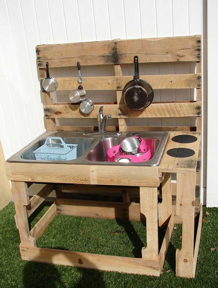 cucina idee Bambini : Cucina bambini realizzata con pallet